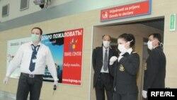 Na podgoričkom aerodromu još u maju su poduzete mjere preventive zbog novog gripa, Foto: Savo Prelević