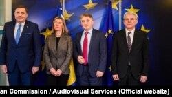 Përfaqësuesja e Lartë e BE-së, Federica Mogherini dhe anëtarët e Presidencës trepalëshe të Bosnjës, Millorad Dodik, Zheljko Komshiq dhe Sefik Xhaferoviq.
