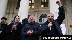 Павал Севярынец, Мікола Статкевіч і Ўладзімер Някляеў на акцыі 8 верасьня