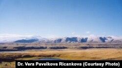 Ресей-моңғол шекарасындағы Алтай таулары.
