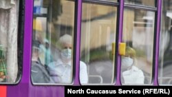 Пассажиры общественного транспорта в Пятигорске