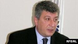 Ramiz Həsənov: «Dini idarə bəlkə halallığını verir?»