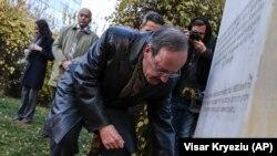 Kosovo se mora izboriti s korupcijom: Eliot Engel