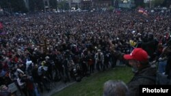 Armenian opposition leader Nikol Pashinian holds a rally in Gyumri on April 27.