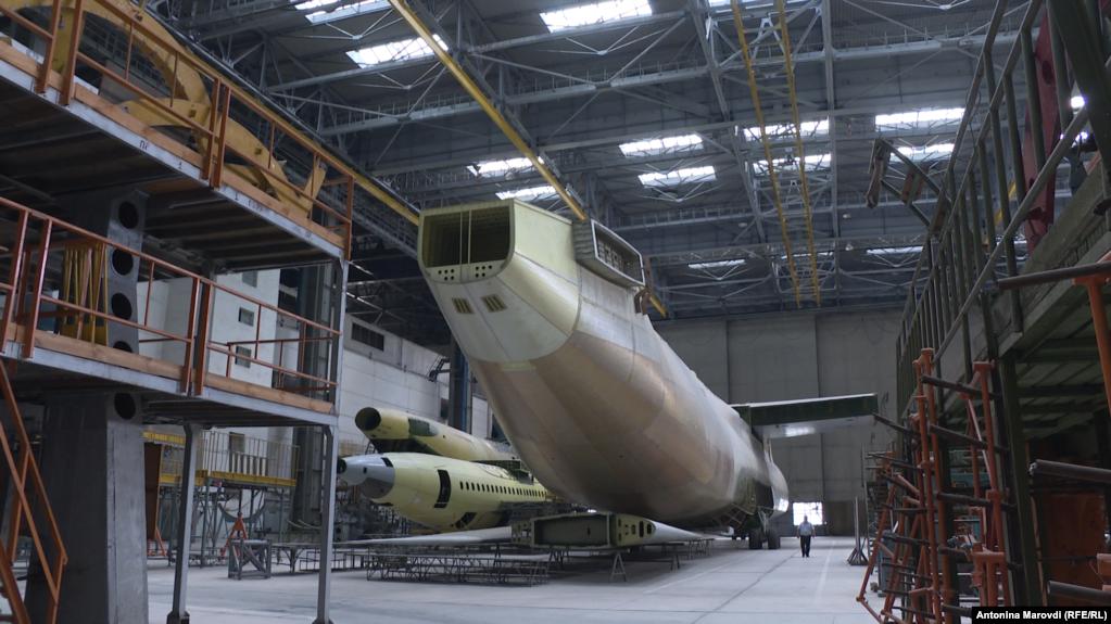 На этом самолете планируют установить новое оборудование и современные цифровые летные приборы