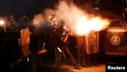 Թուրքիա - Հաթայ քաղաքում ոստիկանությունը արցունքաբեր գազ է օգտագործում ցույցը ցրելու համար, 11-ը սեպտեմբերի, 2013թ․