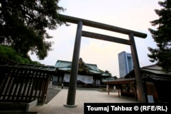 Вход в синтоистское святилище Ясукуни