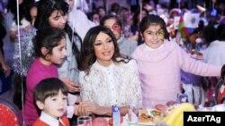 Mehriban Əliyeva Yeni il şənliyində, 28 dekabr 2012