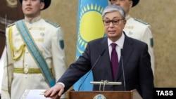 Касым-Жомарт Токаев во время церемонии принесения президентской присяги на заседании палат парламента в Астане, 20 марта 2019 года.