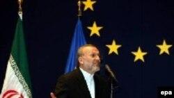 Тегеран продолжает маневрировать. Глава иранского МИД Моттаки в Брюсселе