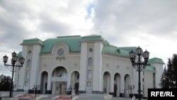 Театр бинасы