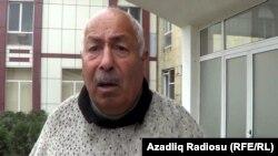 Житель села Иснов Губинского района Гудрат Алиев, приехавший в райцентр, чтобы попасть на выездной прием граждан министра с жалобой. 12 апреля 2013