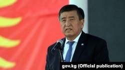 Сооронбай Жээнбеков в бытность премьер-министром Кыргызстана.
