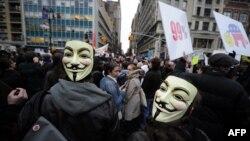 """Участники акции движения """"Захвати Уолл-Стрит"""" в Нью-Йорке"""". 17 ноября 2011 г"""