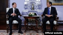 Премьер-министрлер Дмитрий Медведев менен Жоомарт Оторбаевдин жолугушуусу, 29.04.2014