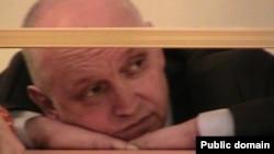 Оппозиционный политик Владимир Козлов во время вынесения приговора. Актау, 8 октября 2012 года. Фото из социальной сети Twitter.