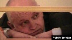 Оппозициялық саясаткер Владимир Козлов сот үкімі шыққан күні. Ақтау, 8 қазан 2012 жыл. Азамат Қалымбетов түсірген.