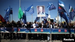Naționaliști bulgari, blocând punctul de trecere Kapitan Andreevo, la granița cu Turcia, 24 martie
