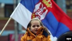 Россия неформально дает понять сербам, что до последней черты противостояния с западными странами ради Косово не пойдет. Но Москва дает сербам время и возможность торговаться