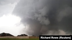 A major tornado struck the town of Moore in the U.S. state of Oklahoma on May 20, killing scores of people and leaving many others injured or missing.