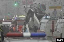 На місці вибуху в тролейбусі, Волгоград, 30 грудня 2013 року