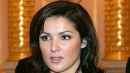 Russian opera singer Anna Netrebko was heckled by an audience member at the Met.