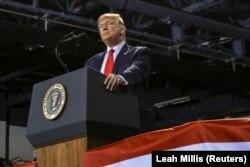 Predsednik SAD Donald Tramp na skupu u Batl Kriku (Battle Creek)