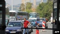 Gužva na granici Makedonije i Kosova zbog blokade makedonskih prevoznika, a sve zbog trgovinskog spora.