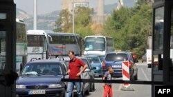 Maqedonia bllokon kufirin me Kosovën