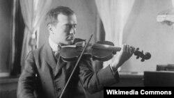 برونیسلاو هوبرمان،در کودکی به عنوان يک نابغه موسیقی در سراسر اروپا برنامه اجرا کرد.