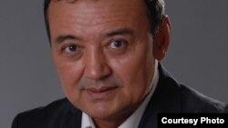 Мұхтар Тінікеев, Қазақстан парламенті депутаты.