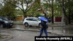 И дождь, и солнце: осенний день в Феодосии (фотогалерея)