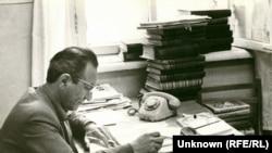 Uzbekistan -- Takhir Umarov, first correspondent in Tashkent, Uzbekistan, 1988