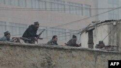 Під час перестрілки охорони з нападниками біля будівлі Управління нацбезпеки в Кабулі, 16 січня 2013 року