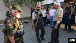 Члены вооруженной группы «Сасна црер» на территории полка ППС, июль 2016 г.