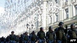 Rusiya Milli Qvardiyası dinc aksiyaların dağıdılmasında fəal rol oynayıb