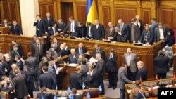 Оппозиционная Партия регионов выступила против принятия антикризисного законопроекта