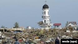 Последствия цунами в Индонезии. Архивное фото