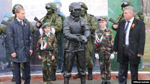 "The unveiling of the ""polite people"" monument in Belogorsk on May 6."