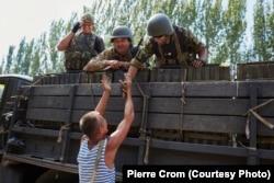 Углегорск, 13 августа 2014. Украинская армия возвращает контроль над Углегорском