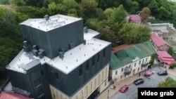 Будівля Театру на Подолі з висоті