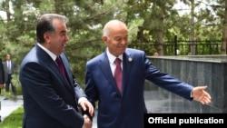 Президент Узбекистана Ислам Каримов очень радостно встретил президента Таджикистана Эмомали Рахмона. Ташкент, 23 июня 2016 года.