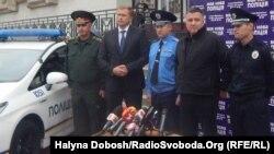 Арсен Аваков (другий справа) на презентації патрульної поліції в Івано-Франківську, 3 вересня 2015 року