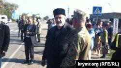 Чубаров на административной границе с Крымом во время