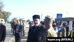 Чубаров на адміністративному кордоні з Кримом під час блокади, 20 вересня 2015