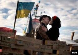 Любовь Украины. Киев. Площадь Независимости. 23 декабря 2013 года