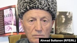 """Гаев Саламат, """"Хьайбах. Таллам дlахьуш бу"""" жайнин авторх цхьаъ ву, 18Чил2012"""
