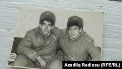 Tofig Həsənli, (solda) sovet ordusunda