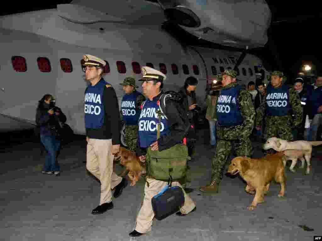 Mexico City - Meksički marinci spremni za odlazak na Haiti. Foto: AFP / Ronaldo Schem