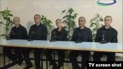 """""""Olloh qalbimizda, yuragimizda"""" nomli ko'rsatuvdan olingan sur'at."""
